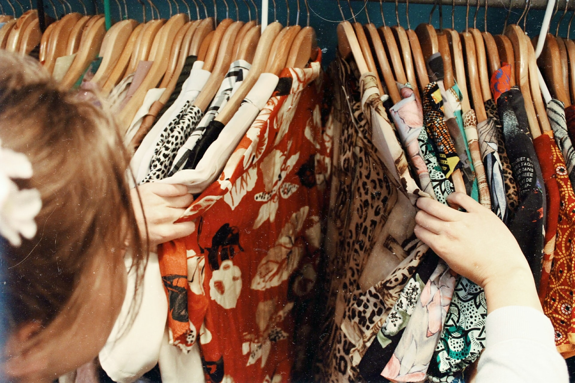 WHAT TO DO IF YOUR TEEN IS CAUGHT SHOPLIFTING